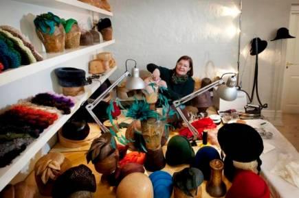 Niels Fez har interviewet 30 pct af landets aktive modister oghattemagere