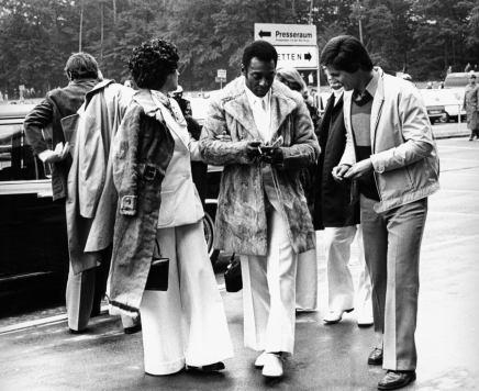Hr og Fru Pelé ankommer til en kamp under legendariske WM 74 iVesttyskland
