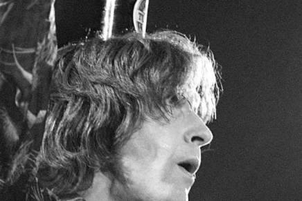 Ray Davies fylder 70 – vi fejrer det med et Jørgen Angel foto og femsange
