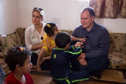 Enhedslisten og Dansk Folkeparti på besøg i jordanskflygtningelejr