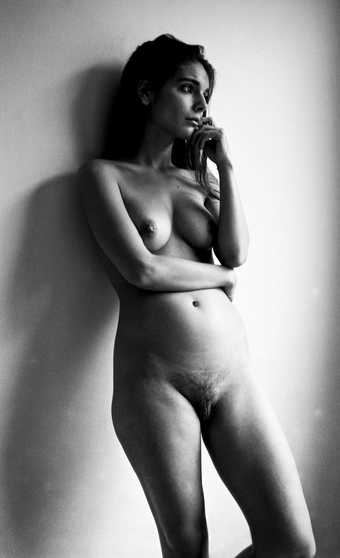 caitlin-stasey-is-reclaiming-the-female-body-by-publishing-her-own-naked-photos-on-the-internet-body-image-1422460535