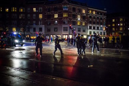 Politiet trak deres tjeneste-pistoler under sammenstød påNørrebro