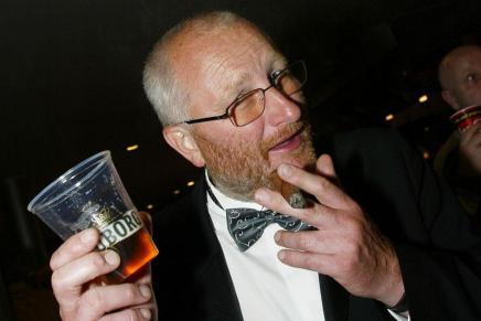 Peter Aalbæk har ordet: Enlykønskning