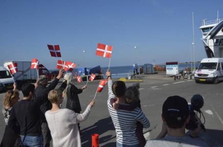 Ærø gør det igen: Flag og jubel tilasylansøgere