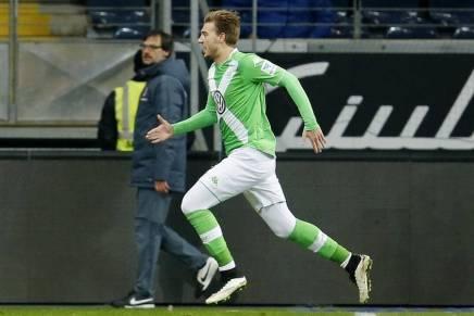 Nicklas Bendtner scorer for Wolfsburg i EL kampen modNapoli