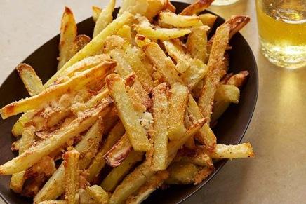 Opskrifter: Ovnbagte parmesan pommesfrites