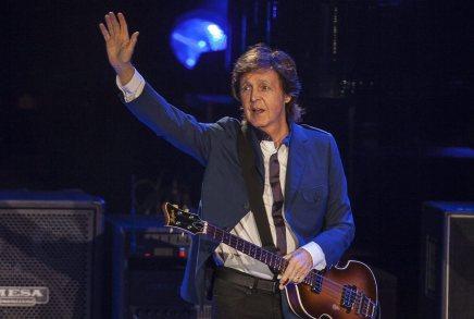 Hør Paul McCartney spille John Lennon hyldesten Here Today på RoskildeFestival