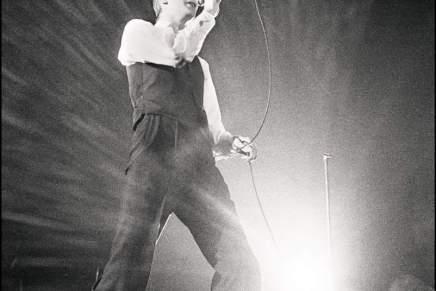 David Bowie fotograferet af Gorm Valentin i1976
