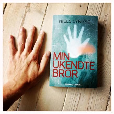 Niels Lyngsø udgiver ny roman på Gyldendal: Min ukendtebror