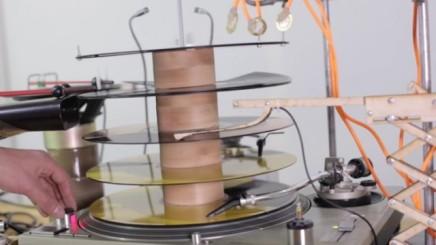 Giv Georg Gearløs en Technics grammofon, en synthesizer og en koklokke og dettesker!