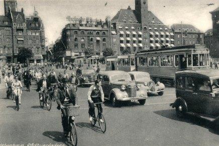 Sporvogne, automobiler og cykler iKøbenhavn
