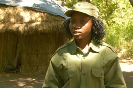 Kvindelige skovfogeder bekæmper krybskytter iMozambique