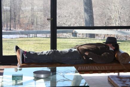 Julian Schnabel på besøg i Philip Johnsons berømteglashus