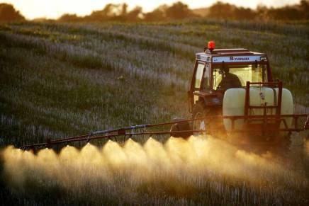 Landbruget står for en markant højere andel af Danmarks CO2-udledning, end vi normalt regnermed