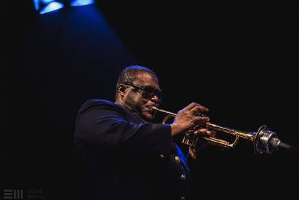 Wallace Roney er død