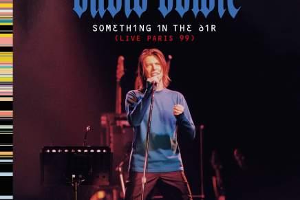 NYT BOWIE ALBUM: SMUKKESTE POSTKORT FRA1999